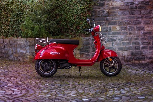 Que faut-il prendre en considération lors de l'achat d'une moto électrique ?